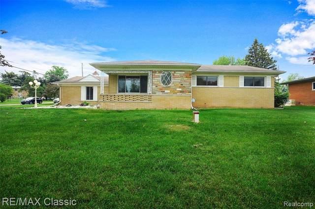 8251 Fox Bay Drive, White Lake Twp, MI 48386 (#2210041116) :: Real Estate For A CAUSE