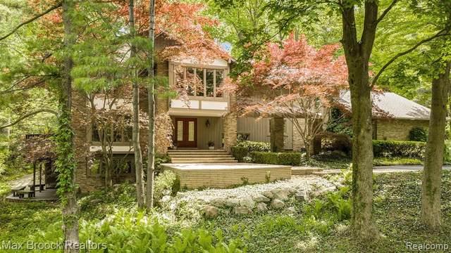 341 Pine Ridge Drive, Bloomfield Hills, MI 48304 (#2210041432) :: Robert E Smith Realty