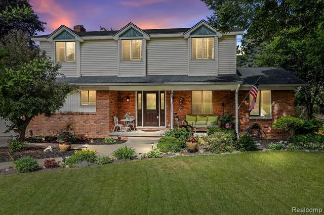 344 Melinda Circle E, White Lake Twp, MI 48386 (#2210041716) :: Real Estate For A CAUSE