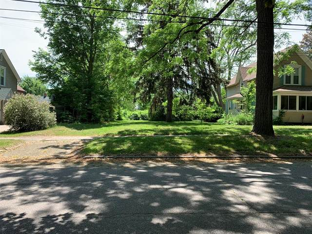 326 South Haven Street, South Haven, MI 49090 (#69021021113) :: Real Estate For A CAUSE