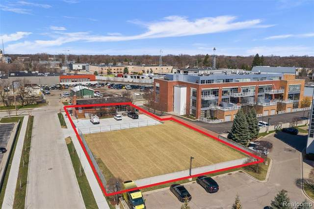 230 E Harrison Avenue, Royal Oak, MI 48067 (#2210042872) :: Real Estate For A CAUSE