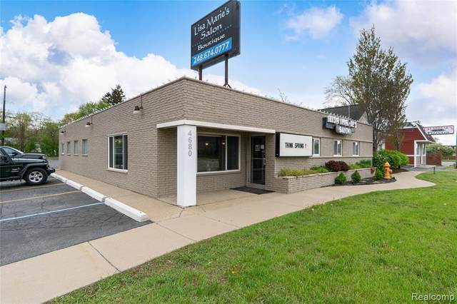 4680 Dixie Highway, Waterford Twp, MI 48329 (#2210043091) :: Robert E Smith Realty