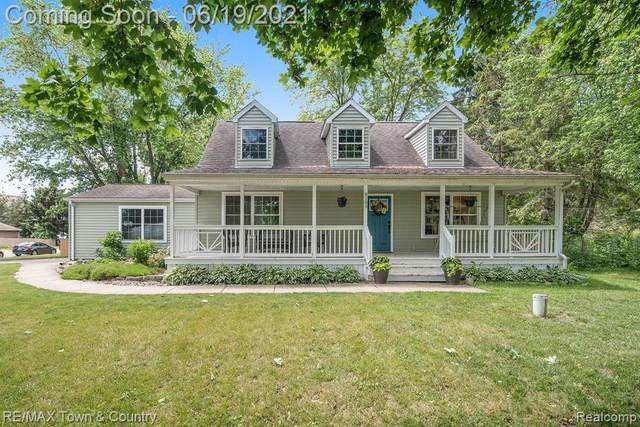 8189 W Carpenter Road, Flushing Twp, MI 48433 (#2210043378) :: Real Estate For A CAUSE