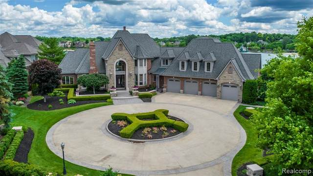 10721 Stoney Point Drive, Green Oak Twp, MI 48178 (#2210043594) :: Duneske Real Estate Advisors