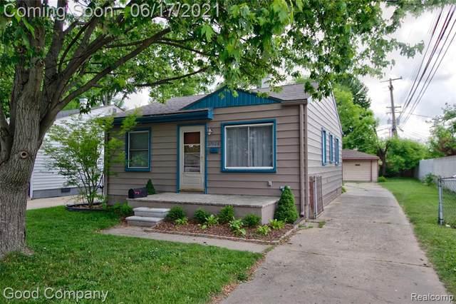 27026 Palmer Boulevard, Madison Heights, MI 48071 (#2210043615) :: Robert E Smith Realty