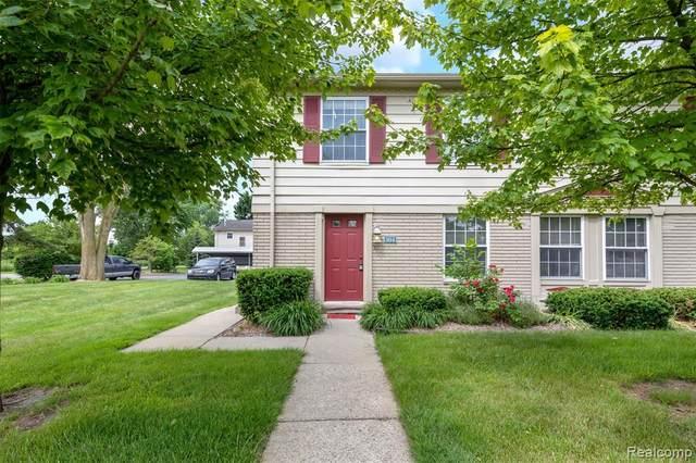 104 Princeton Drive, South Lyon, MI 48178 (#2210043666) :: Novak & Associates