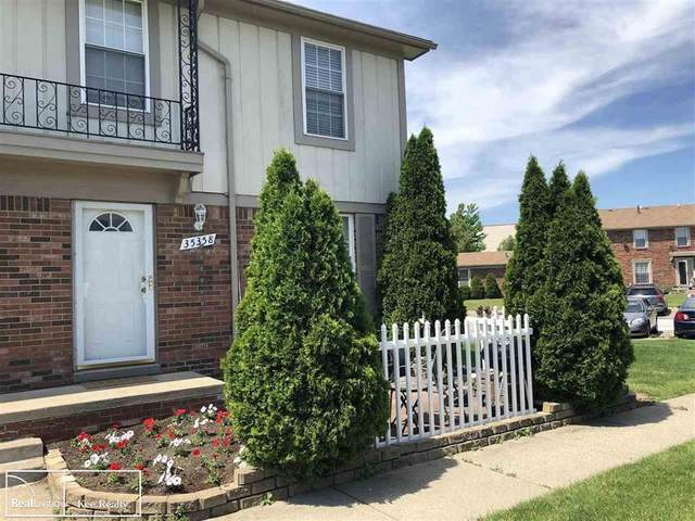 35358 Tall Oaks Dr., Sterling Heights, MI 48312 (#58050044331) :: Robert E Smith Realty