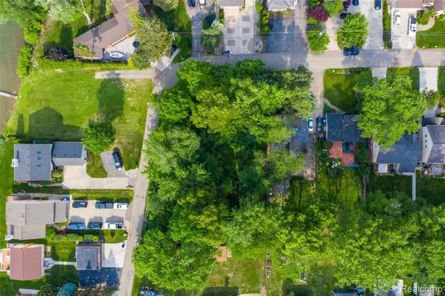 0001 Grinnel Avenue, Waterford Twp, MI 48328 (#2210043710) :: GK Real Estate Team