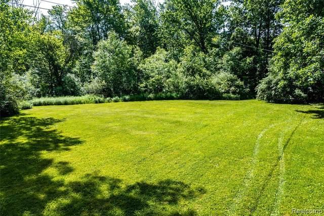 0 9 MILE Road N, Novi, MI 48374 (#2210043882) :: Duneske Real Estate Advisors