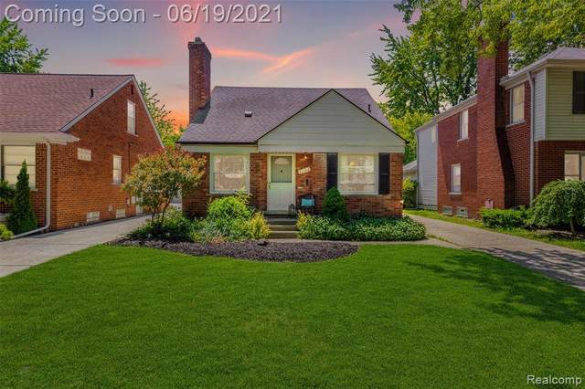 1333 Brys Drive, Grosse Pointe Woods, MI 48236 (#2210043975) :: Real Estate For A CAUSE