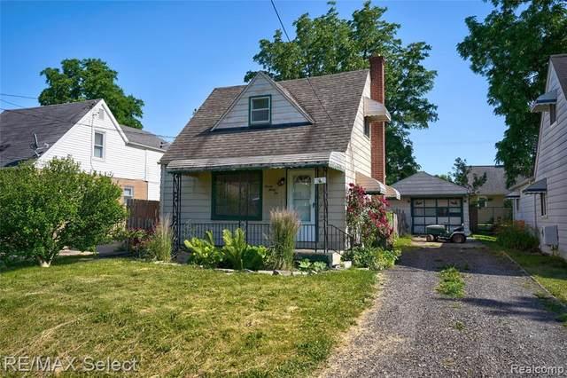 2036 E Buder Avenue, Burton, MI 48529 (#2210044286) :: Real Estate For A CAUSE