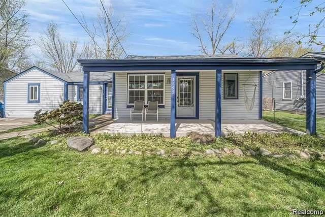 4692 Charest Avenue, Waterford Twp, MI 48327 (#2210044454) :: Alan Brown Group