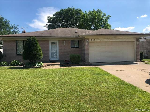 4976 Fox Hill Dr, Sterling Heights, MI 48310 (#2210044561) :: Alan Brown Group