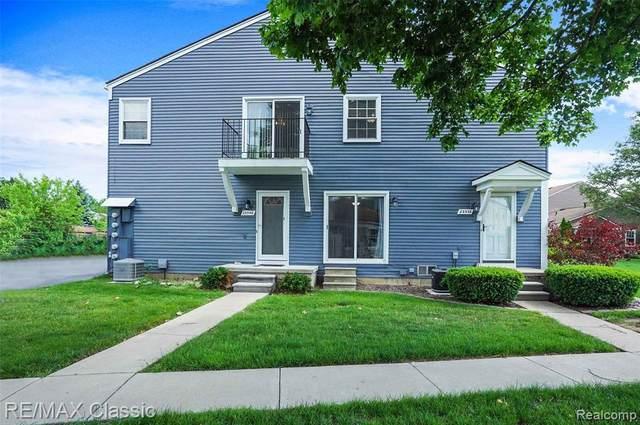 23538 N Rockledge, Novi, MI 48375 (#2210044594) :: Duneske Real Estate Advisors