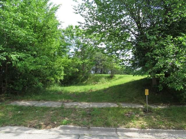 124 Monterey Street, Pontiac, MI 48342 (#2210044613) :: Duneske Real Estate Advisors