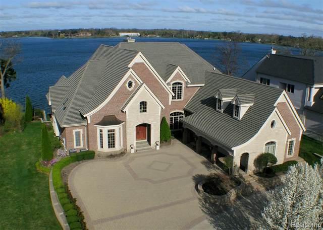 3514 Pine Estates Drive, West Bloomfield Twp, MI 48323 (#2210044705) :: GK Real Estate Team