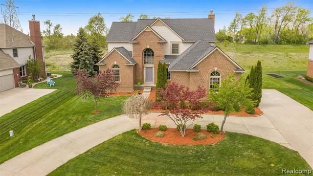 3674 Inverness Drive, Oakland Twp, MI 48306 (#2210044822) :: Duneske Real Estate Advisors