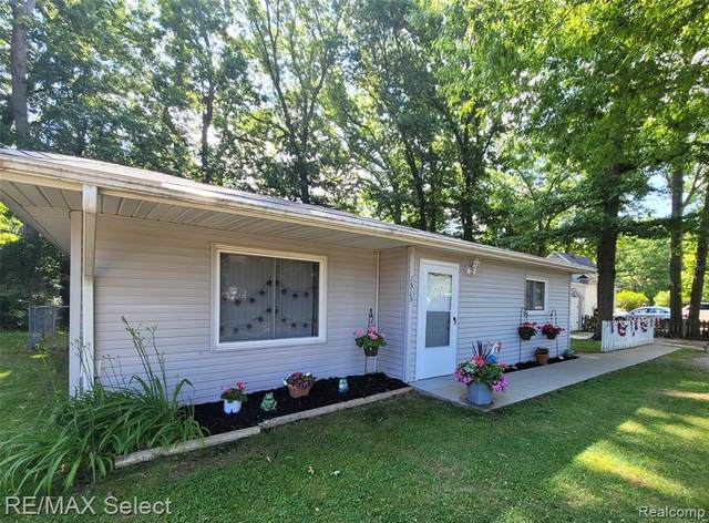 1513 East Drive, Flint Twp, MI 48532 (#2210045049) :: Real Estate For A CAUSE