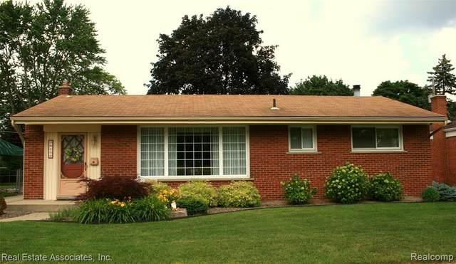 36152 Parkdale Street, Livonia, MI 48150 (#2210045234) :: Robert E Smith Realty