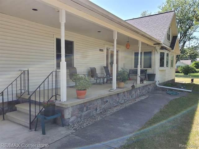 36241 Ann Arbor Trail N, Livonia, MI 48150 (#2210045242) :: Alan Brown Group