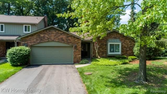 5591 N. Adams Way #29, Bloomfield Twp, MI 48302 (#2210045356) :: RE/MAX Nexus