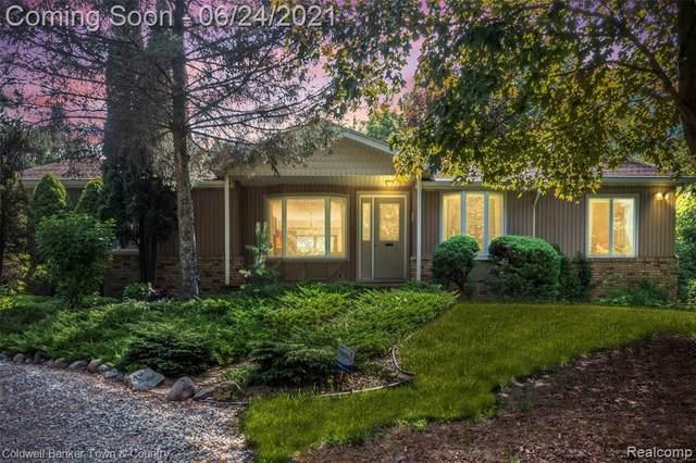 23350 Griswold Road, Lyon Twp, MI 48178 (#2210045517) :: Duneske Real Estate Advisors