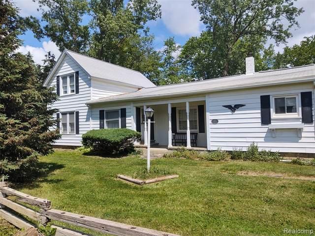 8289 Hollow Corners Road, Almont Twp, MI 48003 (#2210045660) :: GK Real Estate Team