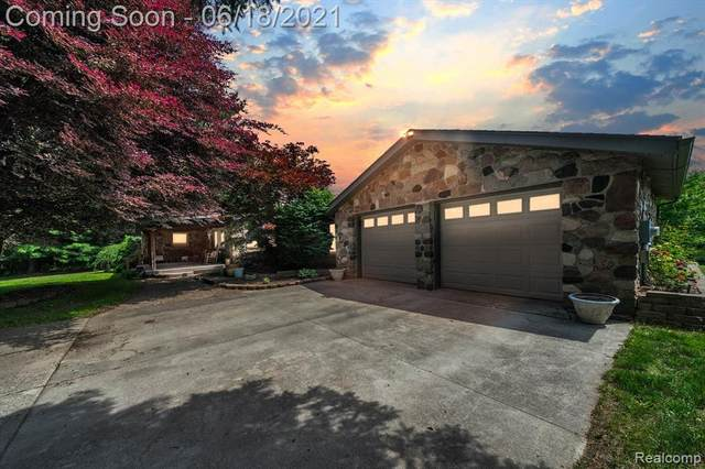 1880 Tooley Road, Howell Twp, MI 48855 (#2210046025) :: Alan Brown Group