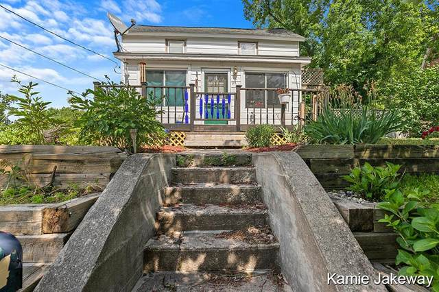 914 James Street, Belding, MI 48809 (#65021022687) :: GK Real Estate Team