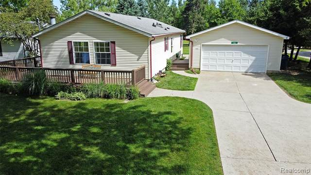 730 Academy Road, Holly Vlg, MI 48442 (#2210046207) :: Real Estate For A CAUSE