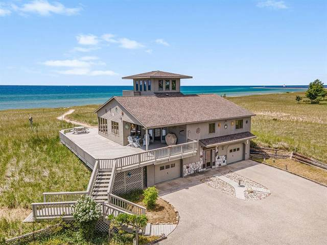 747 S Lakeshore Drive, Pere Marquette Twp, MI 49431 (#67021022825) :: Real Estate For A CAUSE