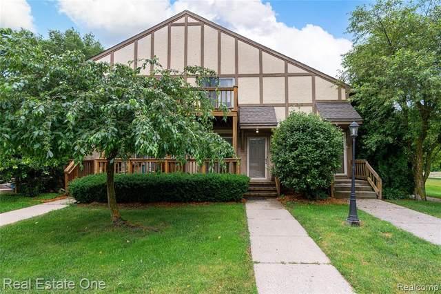 45000 Bayview Drive #1, Novi, MI 48377 (#2210046399) :: Duneske Real Estate Advisors