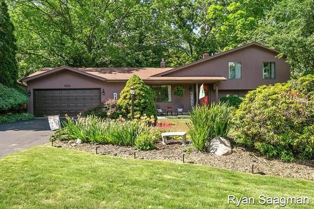2414 Cedar Crest Drive Ne Drive NE, PLAINFIELD TWP, MI 49525 (#67021023009) :: Real Estate For A CAUSE