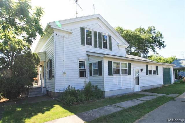 6396 W Court Street, Flint Twp, MI 48532 (#2210046859) :: Real Estate For A CAUSE