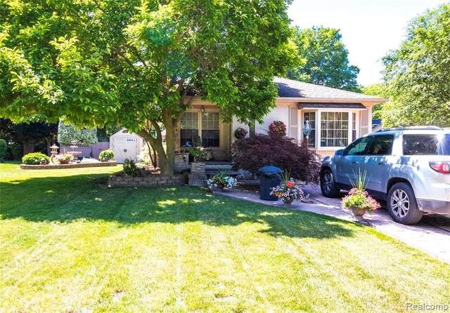 1621 Liberty Street, Lapeer, MI 48446 (#2210046920) :: Real Estate For A CAUSE