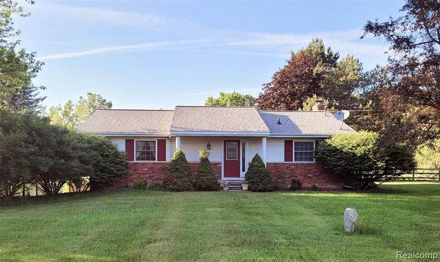 6678 W Grand River Road, Handy Twp, MI 48836 (#2210047002) :: Real Estate For A CAUSE