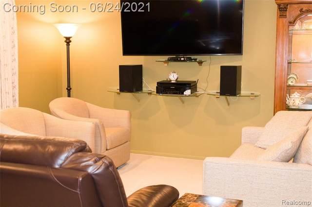 29546 Bobrich Street #3, Livonia, MI 48152 (#2210047069) :: BestMichiganHouses.com
