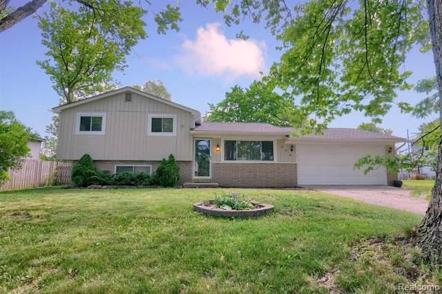 348 Decca Drive, White Lake Twp, MI 48386 (#2210047184) :: Real Estate For A CAUSE