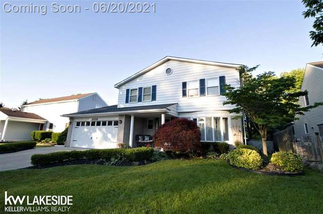 24536 Kings Pointe, Novi, MI 48375 (#58050045549) :: Duneske Real Estate Advisors