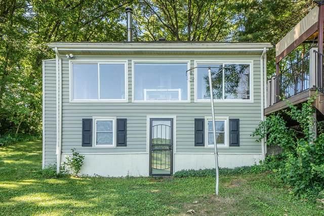 8261 E H Avenue, Comstock Twp, MI 49048 (#66021023376) :: GK Real Estate Team