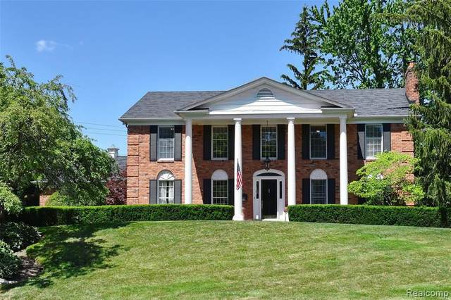 1353 W Indian Mound, Bloomfield Hills, MI 48301 (#2210047417) :: Real Estate For A CAUSE