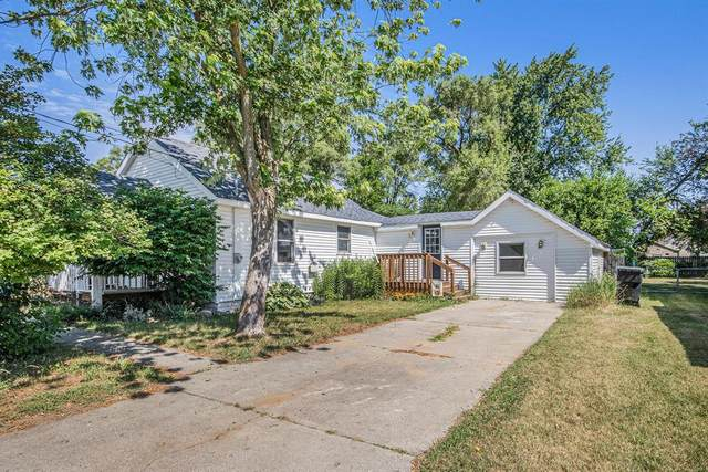 221 41st Street SW, Wyoming, MI 49548 (#65021023469) :: Alan Brown Group