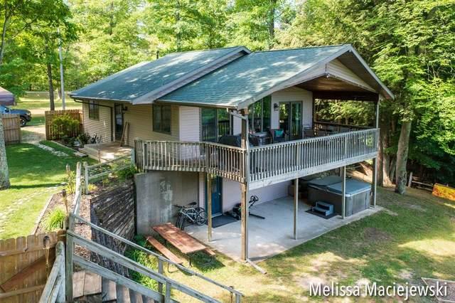 3939 S Truesdale Avenue, Big Prairie Twp, MI 49337 (#65021023515) :: GK Real Estate Team