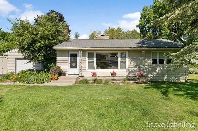 30 Robinhood Drive NE, Grand Rapids Twp, MI 49546 (#65021023518) :: Alan Brown Group