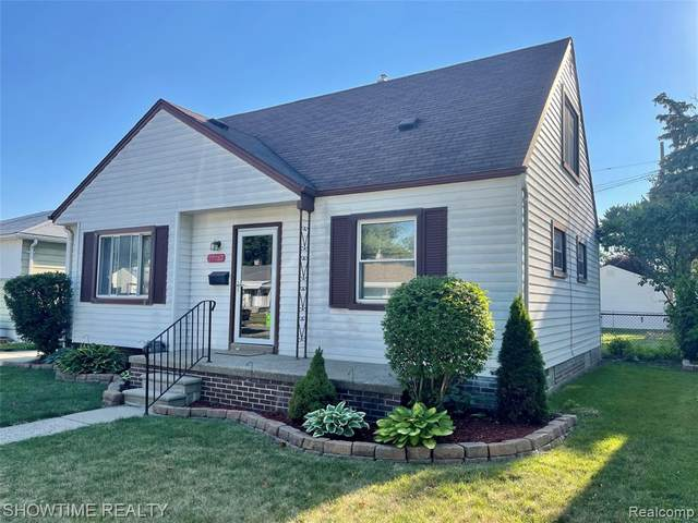 29287 Dembs Drive, Roseville, MI 48066 (#2210047526) :: Real Estate For A CAUSE