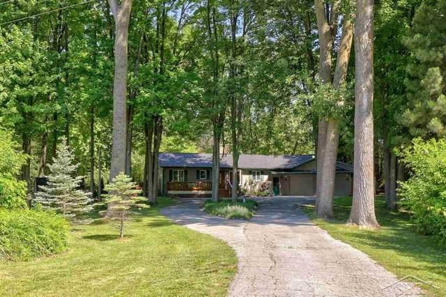 1070 Pius St, Saginaw Twp, MI 48638 (#61050045659) :: GK Real Estate Team