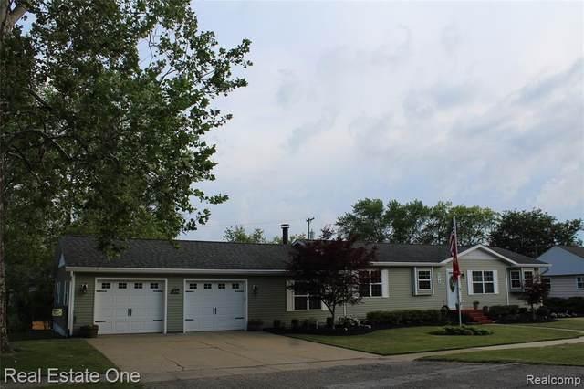 204 Addison Drive, Fowlerville Vlg, MI 48836 (#2210047610) :: GK Real Estate Team