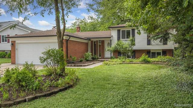 38719 Arcola Drive, Sterling Heights, MI 48312 (#2210047759) :: BestMichiganHouses.com