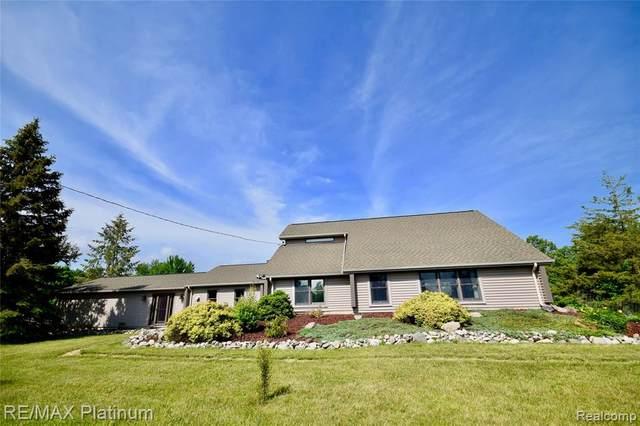 8527 Turner Road, Tyrone Twp, MI 48430 (#2210047778) :: Duneske Real Estate Advisors