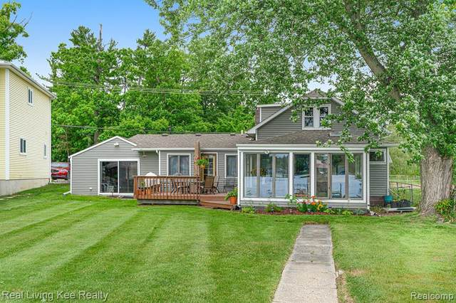 970 N Long Lake Boulevard, Orion Twp, MI 48362 (#2210048311) :: Real Estate For A CAUSE